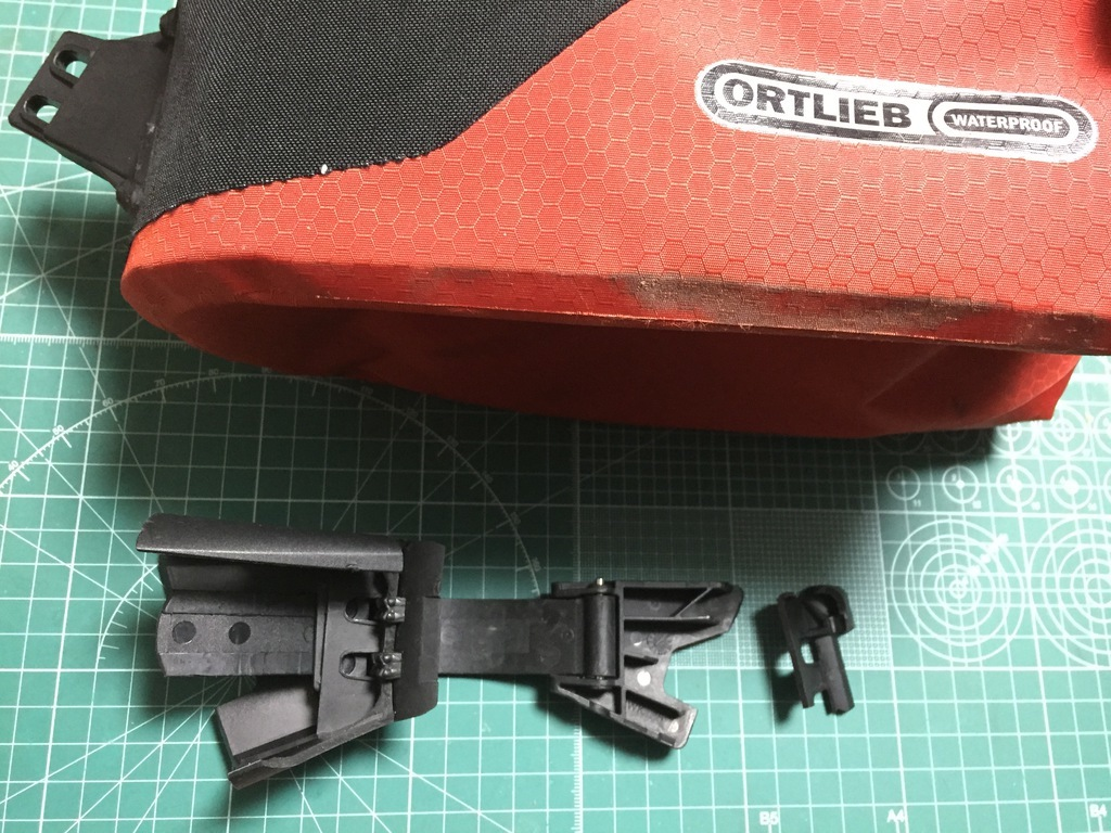 ORTLIEB シートポストバッグ(M) の破損